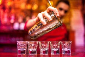 Bartender job, tjenerjob barchef, bliv bartender